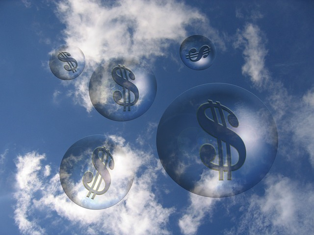 clouds and dollars-96588_640